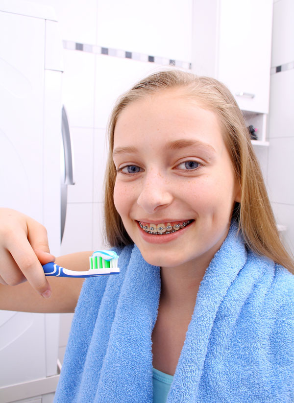 Brace Your Eyes The Most Beautiful Women On Earth: How To Brush Your Teeth With Braces
