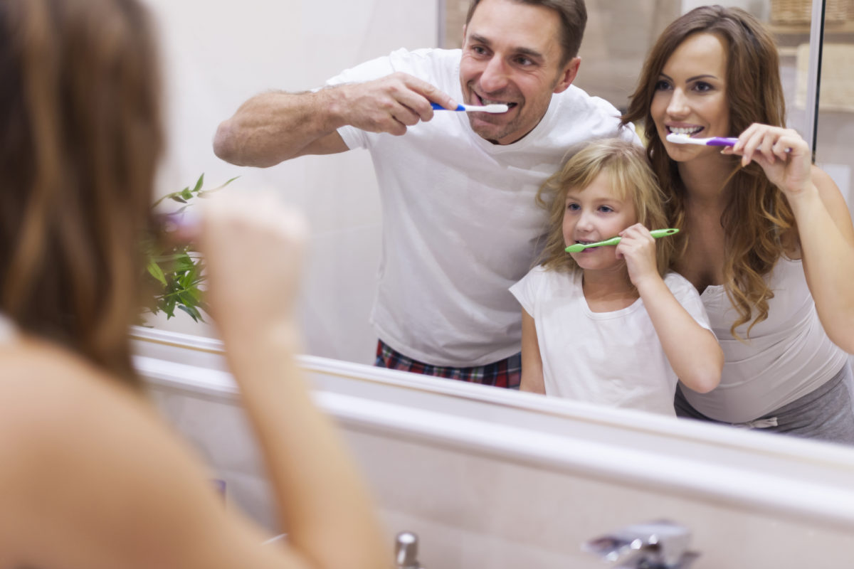 how to brush your teeth